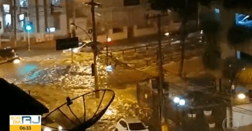 Avó, neta e taxista morrem soterrados após temporal no Rio