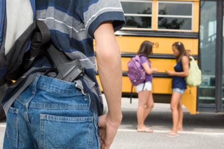 aluno coordenador escola tiros discussão
