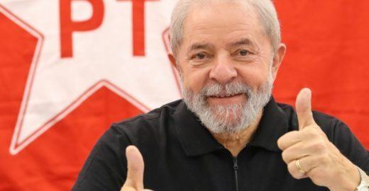 Pela primeira vez, Jair Bolsonaro ganha elogios do PT