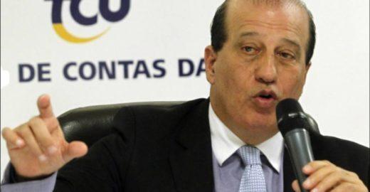 Investigado, ministro do TCU dá aulas no governo Bolsonaro