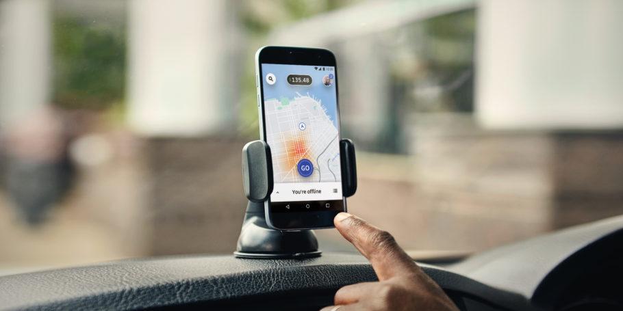 Muita gente usa o trabalho de motorista de aplicativo como complemento de renda