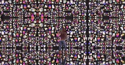 Mostra 'Black Mirror' cria paredão com suas fotos publicadas