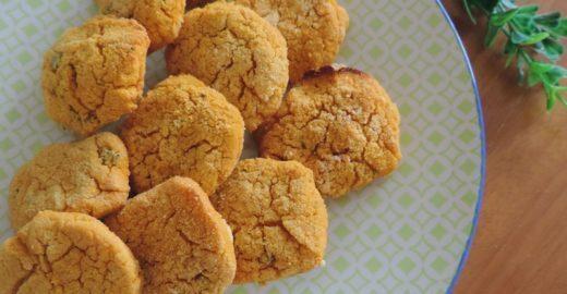 Aprenda a fazer nuggets veganos assados (sem glúten)