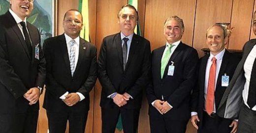 Jornalista chama de aberração visita de pai de Neymar ao Planalto