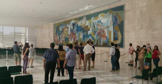 Planalto quer proibir que servidores e visitantes usem jeans