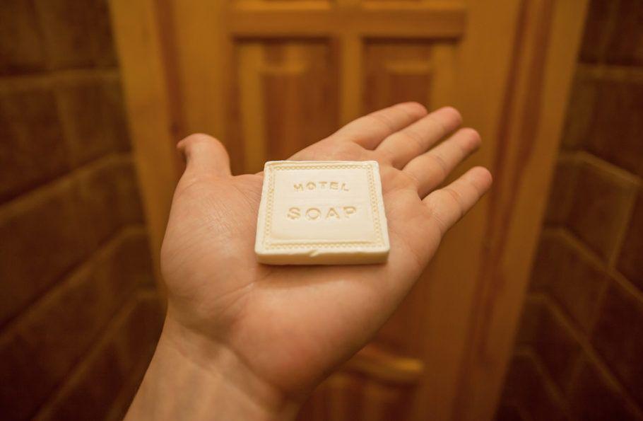 A reciclagem de sabonetes é uma das formas adotadas pela indústria hoteleira para proteger o ambiente