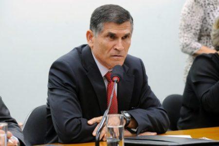 ministro Carlos Alberto dos Santos Cruz , da Secretaria de Governo
