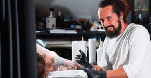 Mulher relata assédio de tatuador, suspeito de importunar mais 15
