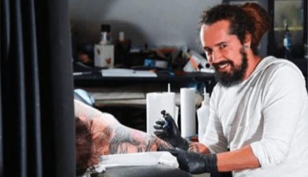 tatuador assédio