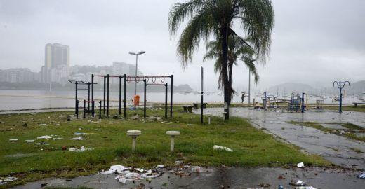 Sobe para 10 o número de mortos após temporal no Rio