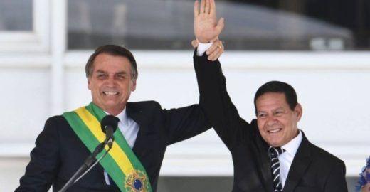 Globo: Bolsonaro 'engole em seco' as declarações de Mourão