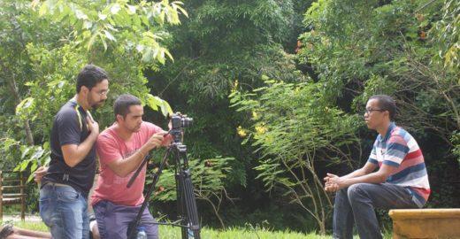 Documentário retrata expressão de jovens na escola pública