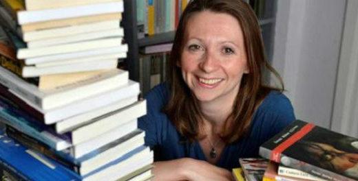 Escritora lê um livro de cada país do mundo durante um ano