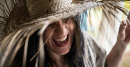Mônica Salmaso explora lado caipira de Cartola em novo álbum