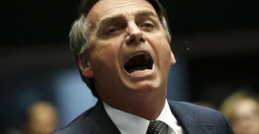 Jair Bolsonaro vê conspiração: