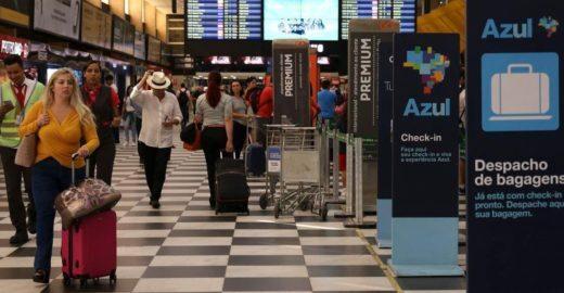 Bolsonaro diz que tendência é vetar despacho gratuito de bagagens