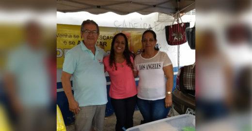 Vendedor acalma candidatos que vão tirar CNH com suco de maracujá