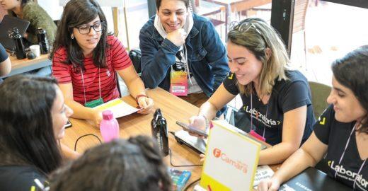 Curso de programação abre vagas para mulheres em SP