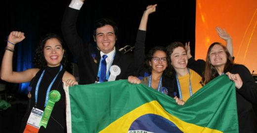 Alunos brasileiros ganham prêmios em feira de ciências nos EUA