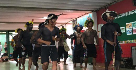 Alunos e professores se unem para ajudar tribo pernambucana