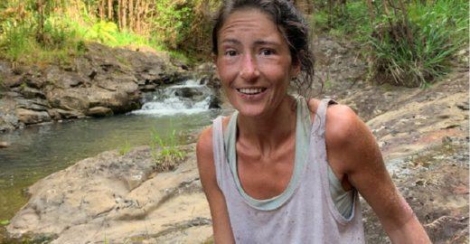 Mulher é encontrada viva após duas semanas perdida em floresta