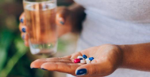 Aprenda o jeito certo de tomar antibióticos