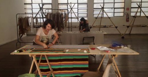 Projeto empresta moldes de estilistas para quem quer criar roupas