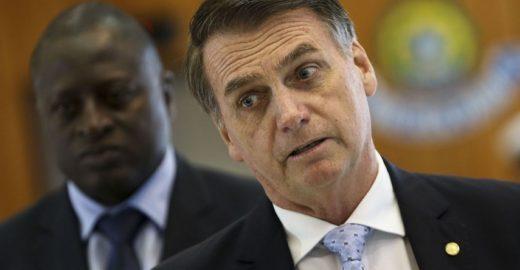 Por declaração homofóbica, Bolsonaro tem condenação mantida