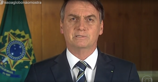 Globo: Fantástico ridiculariza Bolsonaro e web vai ao delírio
