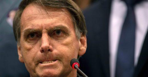 Bolsonaro compartilha vídeo que diz que ele é escolhido por Deus