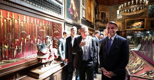 Bolsonaro diz que Guedes 'não é obrigado a continuar no cargo'