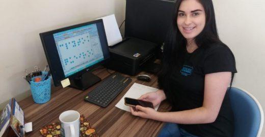 Jovem desenvolve matriz para bordar em braille