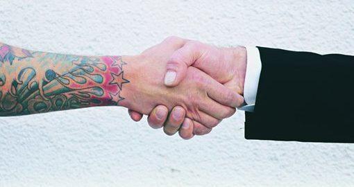 Candidatos a cargos públicos podem ter tatuagem? STF vai analisar
