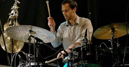 Chico Batera Trio toca no Swing à brasileira