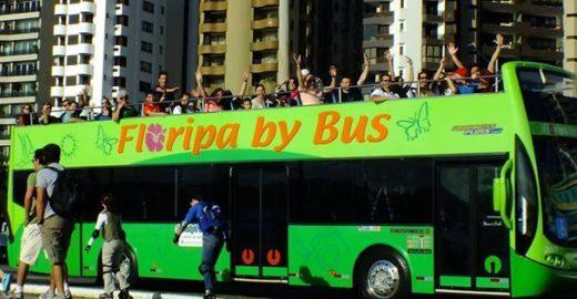 Cidades turísticas do Brasil oferecem city tour em ônibus abertos