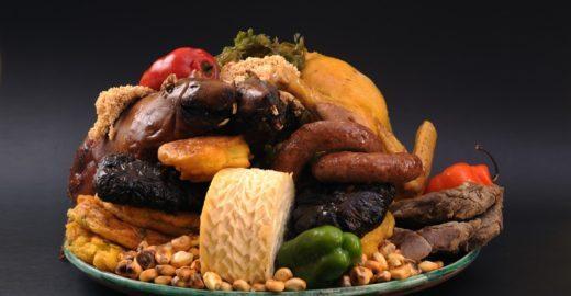 5 pratos imperdíveis para provar em uma viagem ao Peru