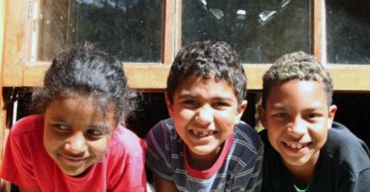 'Colônia de férias solidária' une crianças de comunidades de SP