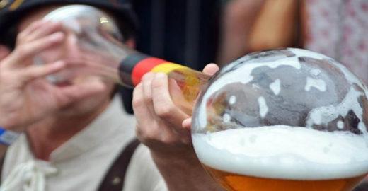 Como se hospedar e curtir a Oktoberfest brasileira