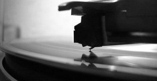 Conheça a fundo mais de 100 mil discos produzidos no Brasil