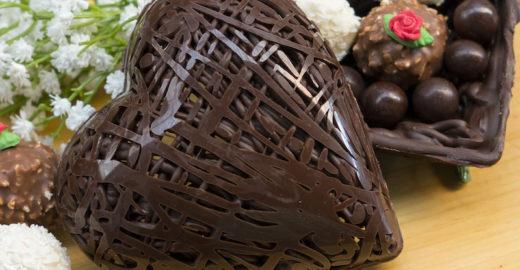 Coração de chocolate com apenas dois ingredientes