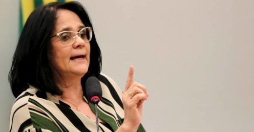 Damares defende aulas de abstinência sexual nas escolas