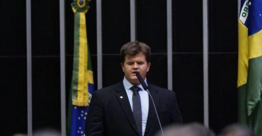 Época: 1º deputado cego eleito no Brasil quer ser presidente