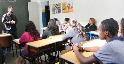 Entidade oferece curso preparatório gratuito para o Enem