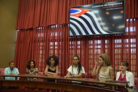 Malunguinho ao lado de outras deputadas na Assembleia Legislativa de São Paulo