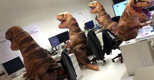 Enquanto sábadonão chega, divirta-se com imagens em escritórios