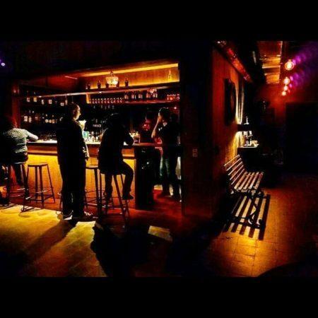 Estônia Bar bares no subsolo
