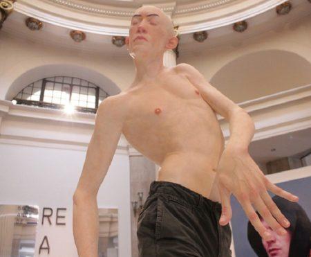 Exposição '50 anos de Realismo – Do fotorrealismo à realidade virtual' - Escultura do artista brasileiro Giovani Caramello