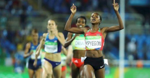 Medalhista olímpica no Rio leva luz à aldeia do Quênia