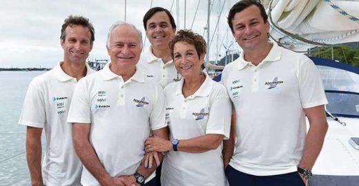 Família Schurmann navega em direção à Ilha de Páscoa
