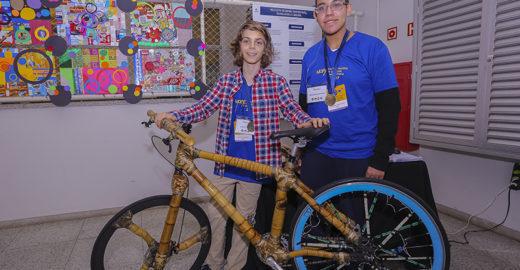 Feira apresenta bicicleta de bambu e mais invenções de jovens